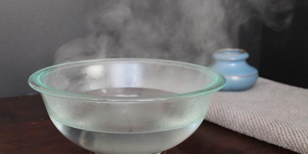 Chữa áp xe hậu môn tại nhà bằng cách xông hơi nước muối