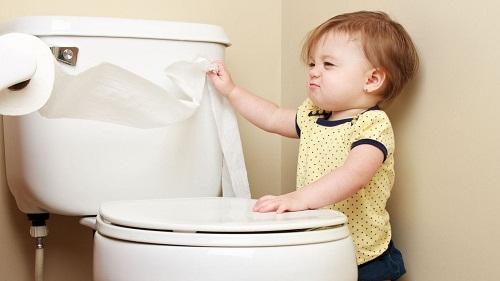 bệnh polyp hậu môn ở trẻ em biểu hiện như thế nào?