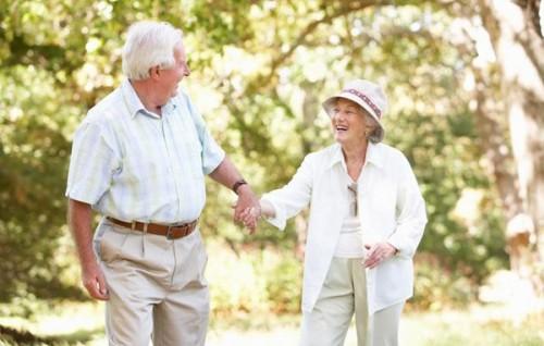 điều trị sa trực tràng ở người già