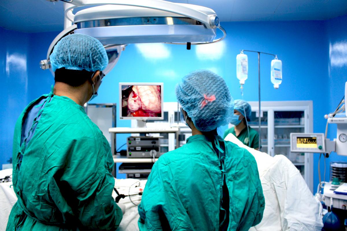 phẫu thuật mổ polyp hậu môn