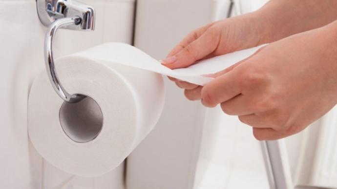 vệ sinh khu vực hậu môn đúng cách, sạch sẽ giúp phòng tránh bệnh trĩ