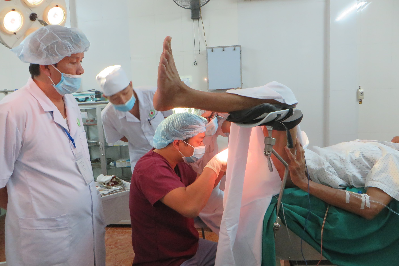 điều trị rò hậu môn bằng phẫu thuật