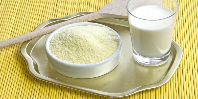 Trẻ sơ sinh bị táo bón nên uống sữa gì?
