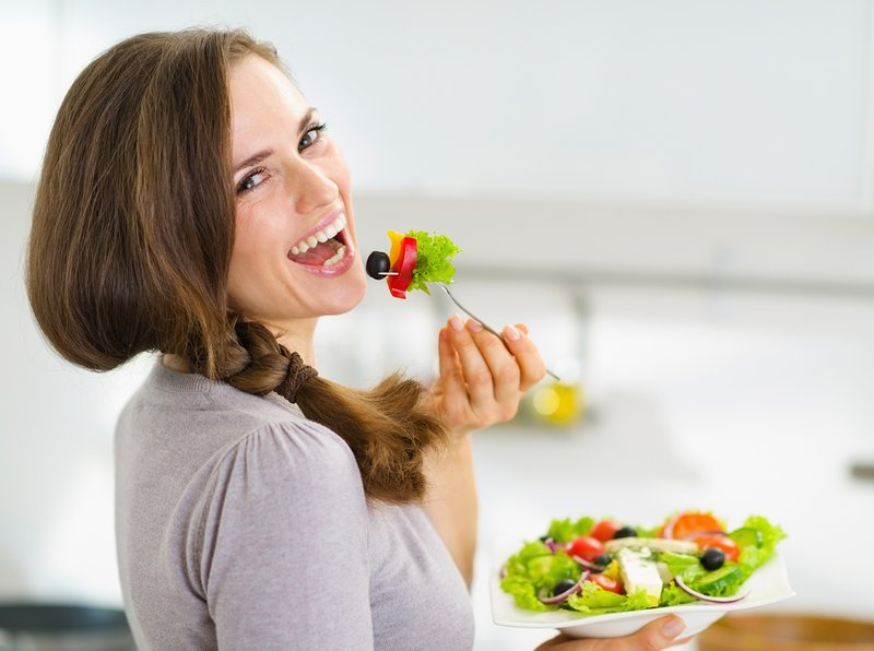 ăn rau xanh đúng cách phòng táo bón