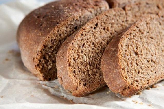 bánh mì đen chống táo bón hiệu quả