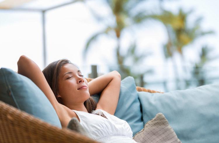 nghỉ ngơi hợp lý chữa nóng trong người