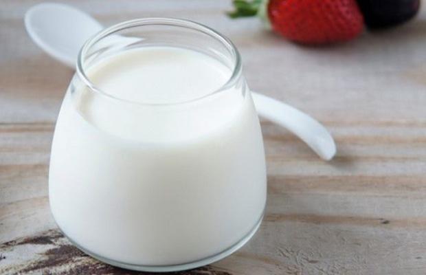 sữa chua tốt cho sữa mẹ