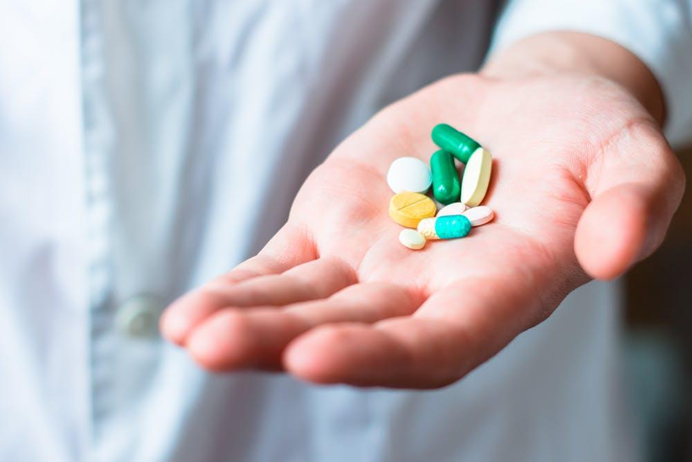 Uống thuốc gì khi mổ rò hậu môn