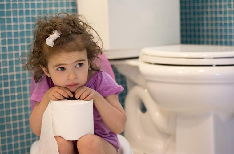 Bệnh trĩ trẻ nhỏ cũng không tha