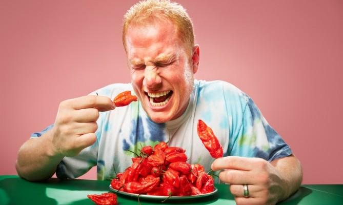 Sau khi mổ rò hậu môn nên tránh các thực phẩm cay nóng